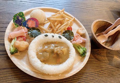 ほんごうの木珈琲ピエロで平日子連れランチ♪赤ちゃん連れも安心なおしゃれ空間でいただく油淋鶏スキレット&かわいいキッズプレート