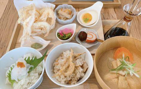 富山市岩瀬ガレガレで平日カフェランチ ランボルギーニを眺めながらいただく白えびづくしの御膳&ステーキプレート