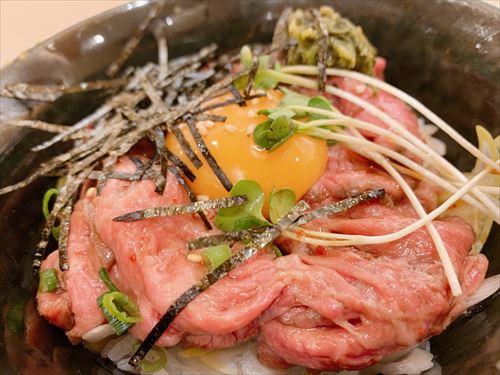 富山駅徒歩数分 富山育ちで平日ランチ♪ローストビーフと焼肉Aランチ 予約でいっぱいの所へすべりこみ!